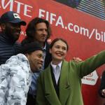 Okocha and Ronaldinho bring spirit of champions to Kazan