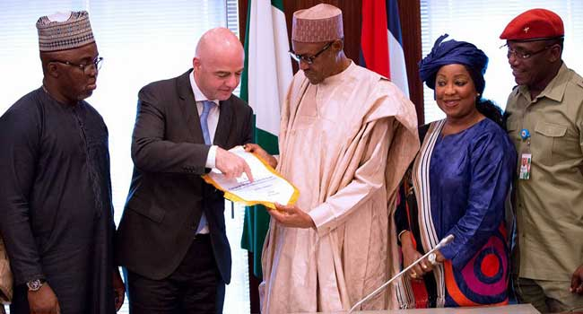 Nigeria President with FIFA President, NFF President and Sports Minister, Dalung
