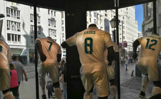 Real Madrid, Gucci, Still Ringing