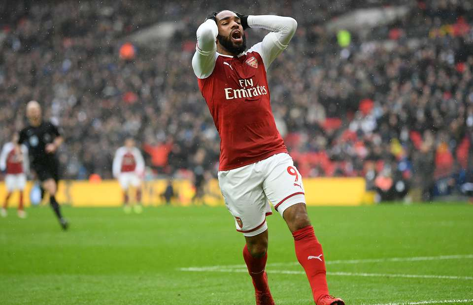 BREAKING: Alexandre Lacazette out for six weeks after knee surgery
