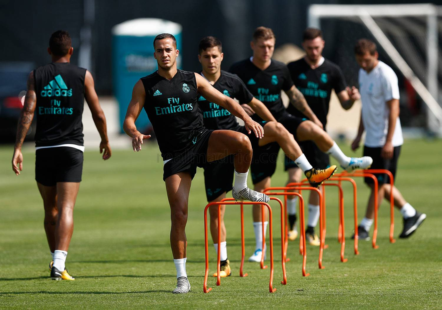 Real Madrid Players actually fought in training hours before El Classico defeat [Watch]