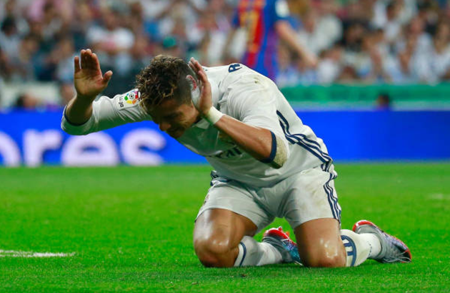Ronaldo Blames Rodriguez ( His Girlfriend ) for El Clasico Defeat