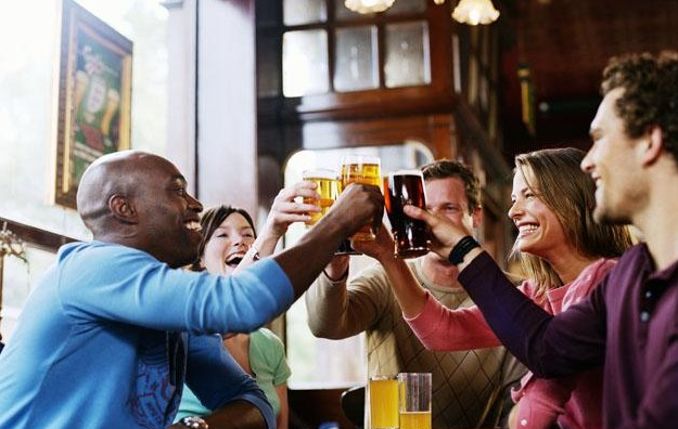 Hold Up Your Glasses! Two pints of beer are better than paracetamol for pain relief – Doctors