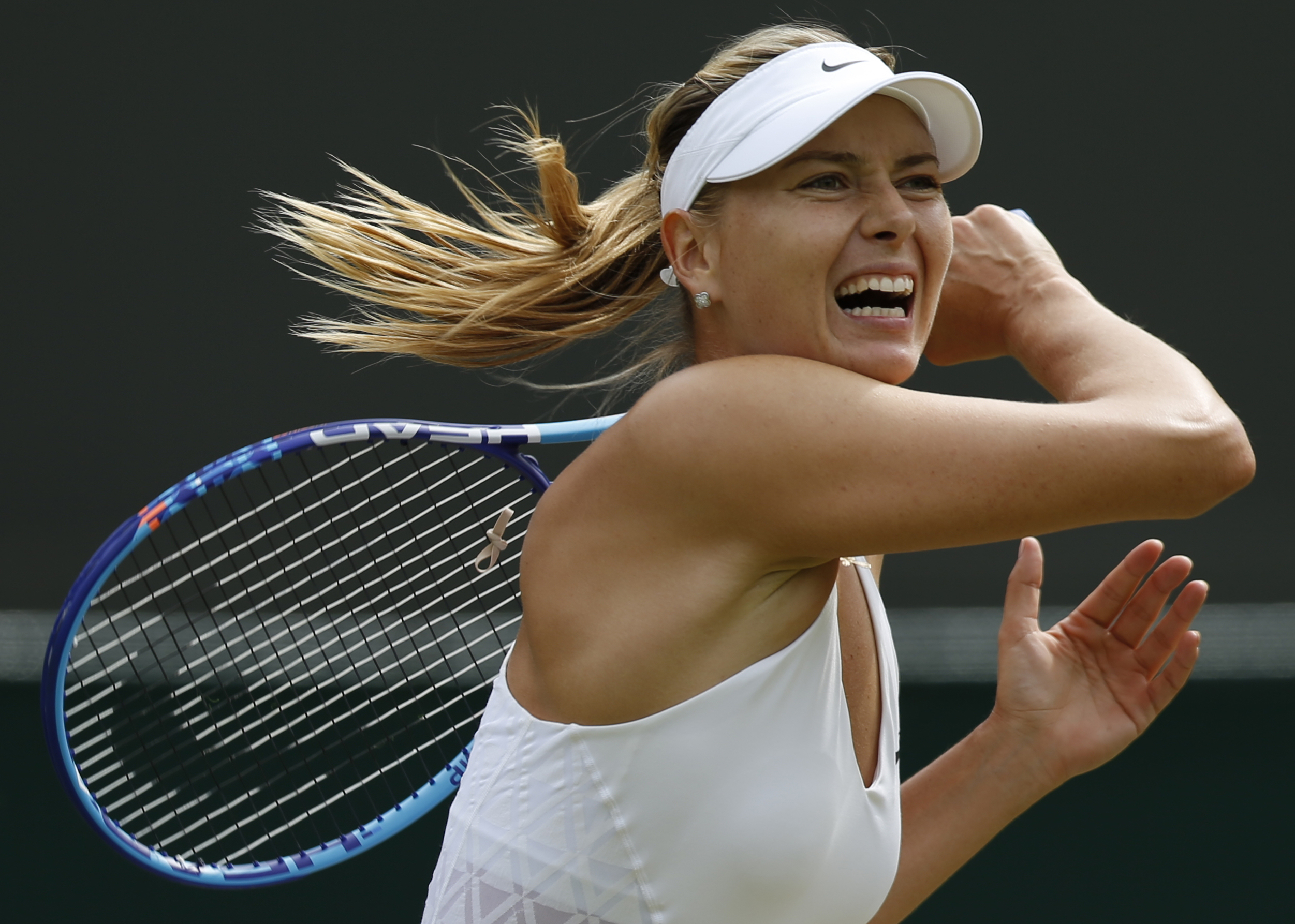 WTA chief defends Sharapova's wildcard handouts