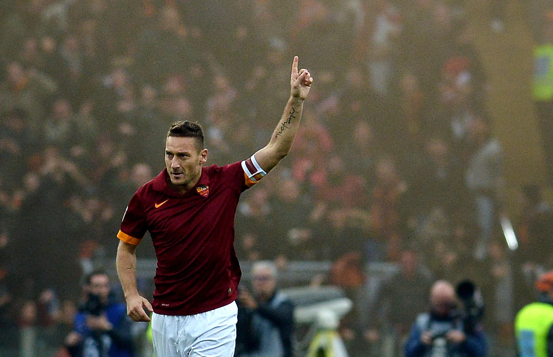 Totti, A Roma City King: A story Of Love and Loyalty- Ugo Njubigbo