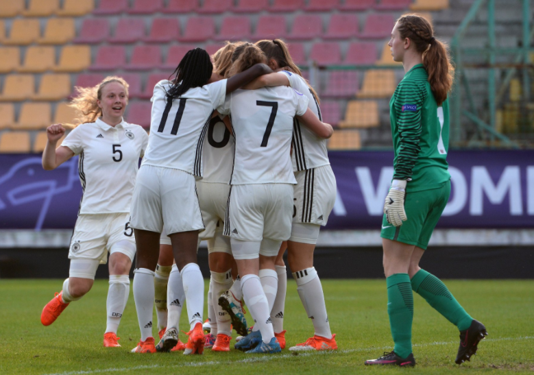 Uefa: Penalty shootout trial takes place in Euro Women's Under-17 semi-final