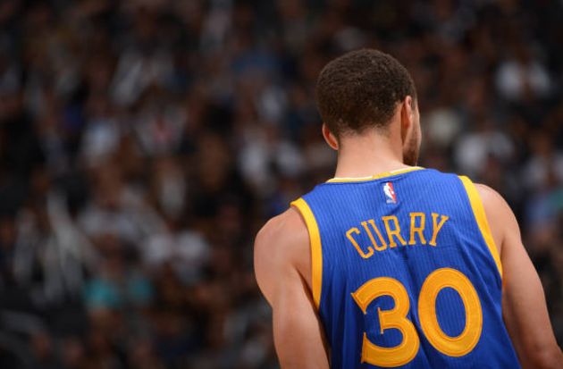 Curry Inspires Warriors to 136-100 Spurs blowout in Game Two