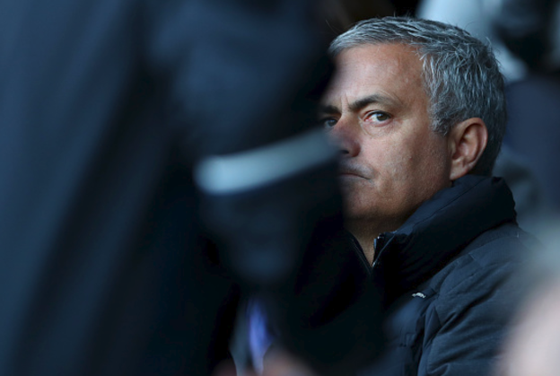 'The Special 1-1' ! Chelsea and Arsenal Fans Poke Fun at Mourinho after United's 11th Home draw