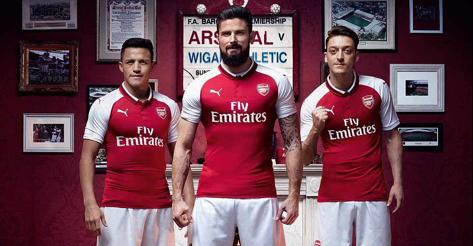 wholesale dealer 02fc4 c369c Arsenal unveils 2017/2018 home kit as Ozil and Sanchez style ...