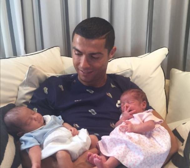 Cristiano Ronaldo meets his newborn twin Boys