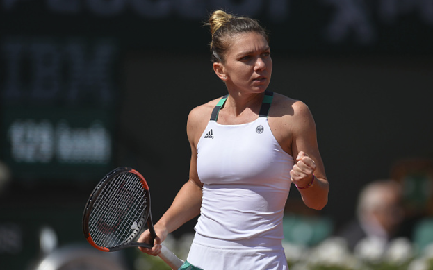 French Open 2017: Simona Halep reaches last eight