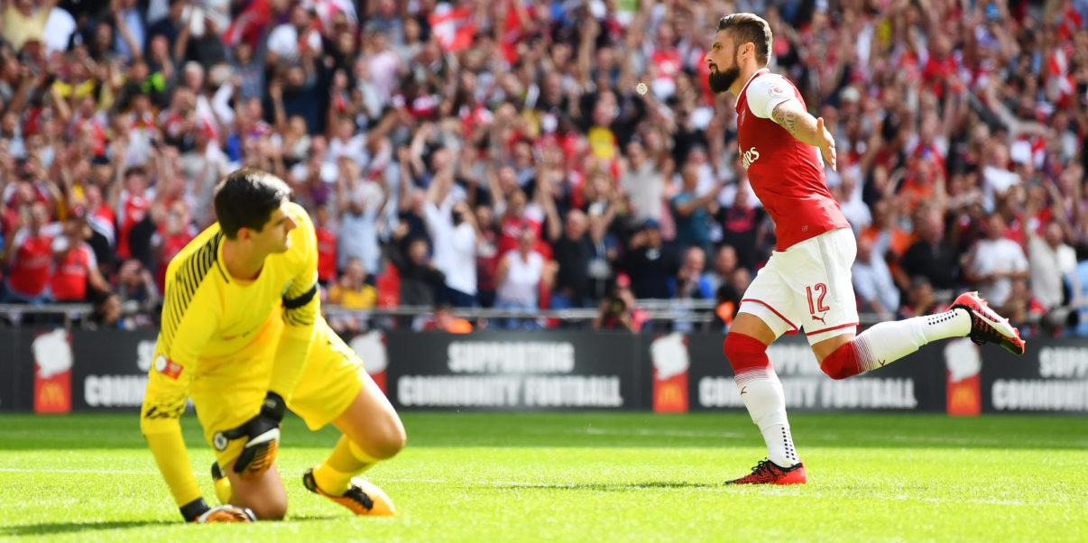 Giroud scores the winner against Chelsea