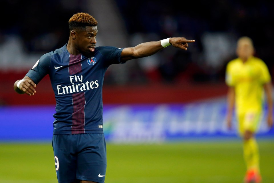 MANCHESTER UNITED: AURIER 'AGREES FIVE-YEAR DEAL' TO JOIN MOURINHO AT OLD TRAFFORD