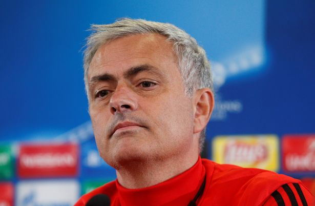 Manchester United fans panic as Jose Mourinho confirms he isn't signing a new contract