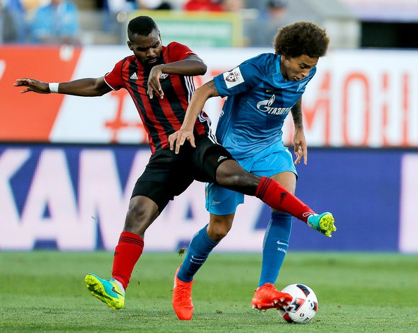 Super Eagles Coach Rohr Lines up Russian-Nigerian defender Idowu as replacement for injured Echiejile