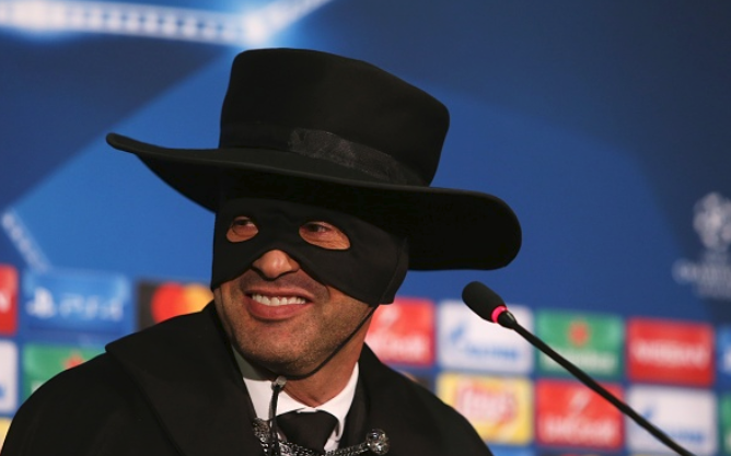 Wait! Was that Zorro or Shakhtar Donetsk Manager