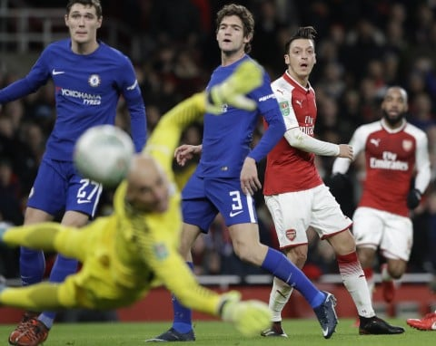 Arsenal beats Chelsea 2-1 to set up Carabao Cup final with Man City