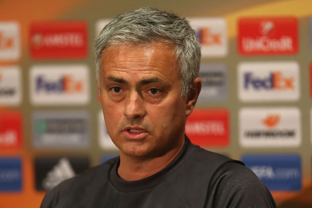 """End of Story: United boss Mourinho ends Conte rift with """"Contempt"""""""