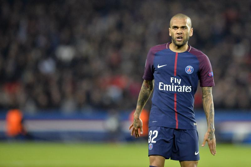 Dani Alves: PSG can create Champions League history against Madrid