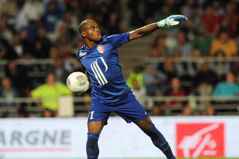 Welcome Back! Enyeama returns for Lille, Keeps Clean Sheet