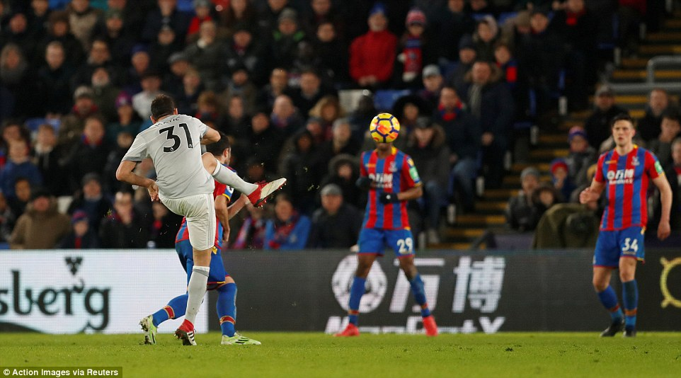 Crystal Palace 2 vs 3 Man United: Matic screamer wins it late for United