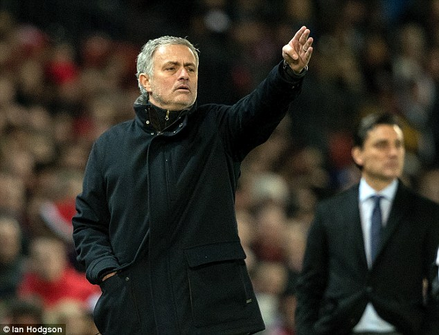 Mourinho defends United players after Champions League ousting
