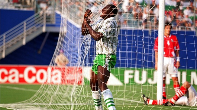 Ikpeba urges Osimhen not to compare himself to Yekini