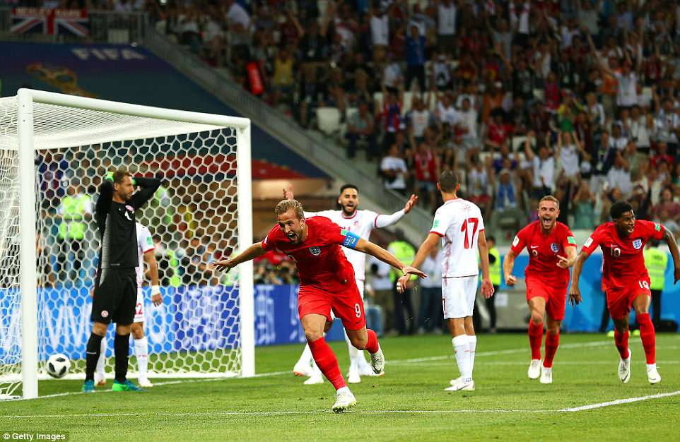 Kane brace ensures England defeat Tunisia in World Cup opener