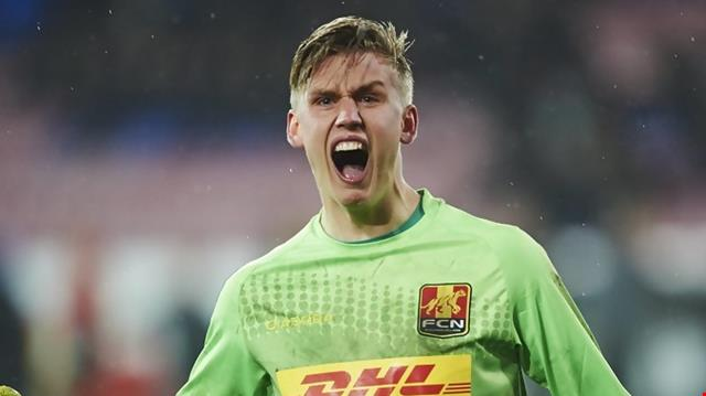 Iceland's World Cup Goalkeeper Runarsson joins French Ligue 1 Club