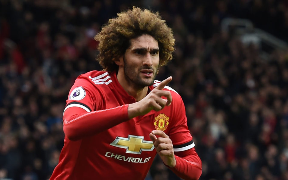 Fellaini signs new 2-year Manchester United contract