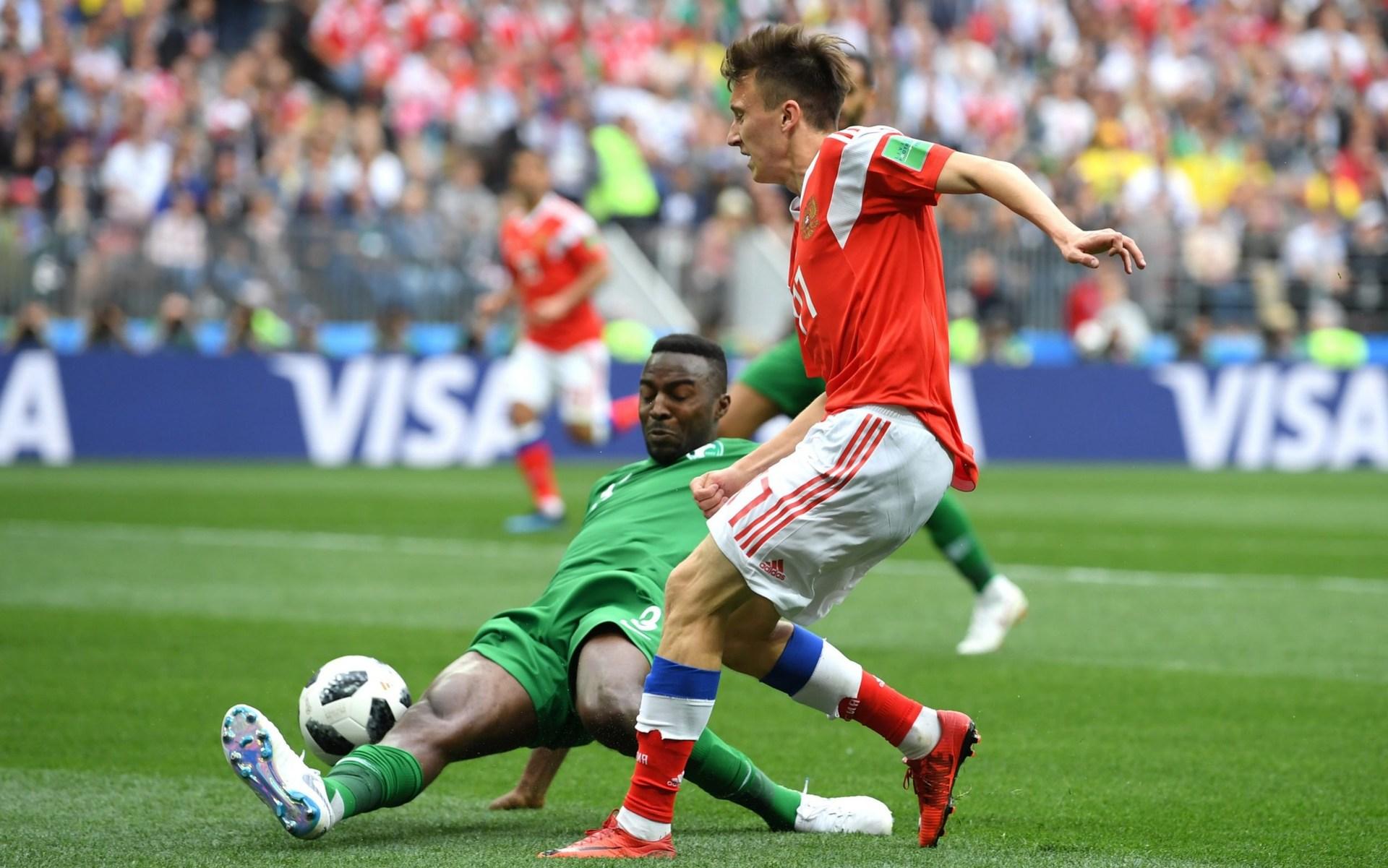Russia 1-0 Saudi Arabia! Yury Gazinsky heads home the first goal of the World Cup