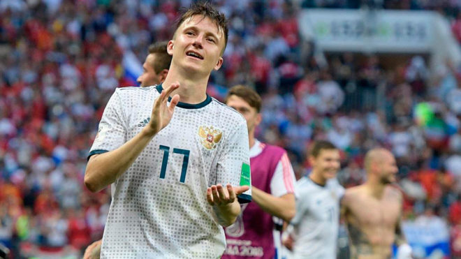 Chelsea set to sign Russian World Cup star Golovin