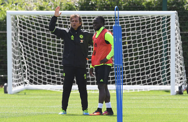 Chelsea almost certain to end Conte-Moses Affair