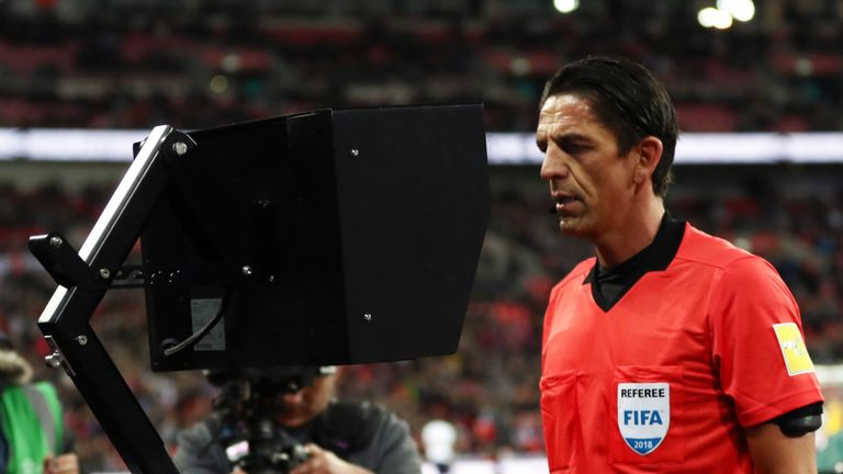 Uefa wan amend VAR for offsides decision