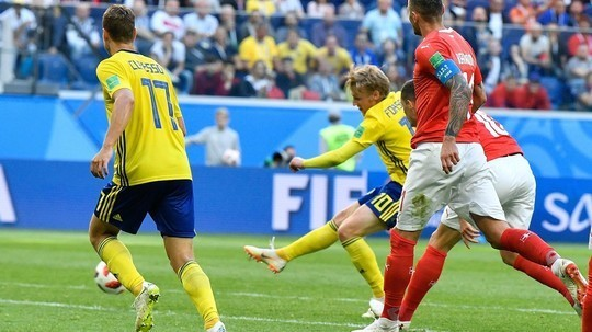 Forsberg deflected goal sends Sweden into World Cup quarterfinals