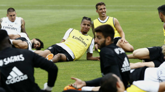 Ebuehi resumes Benfica Pre-season training after World Cup break
