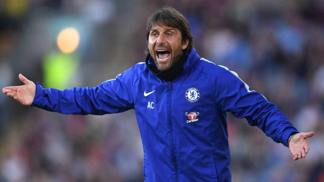 Ex-Chelsea Manager Conte linked with Manchester United move