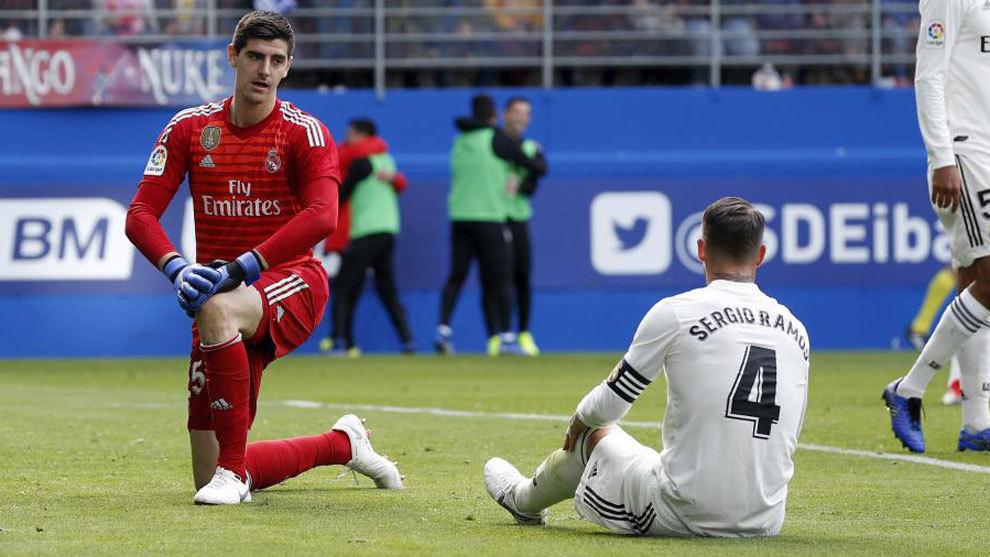 Chelsea fans ridicule Courtois following 'embarrasing' display vs SD Eibar