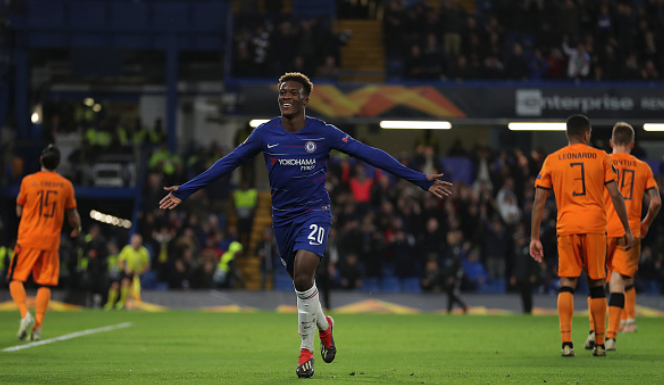 Victor Moses passes the Torch to Hudson-Odoi