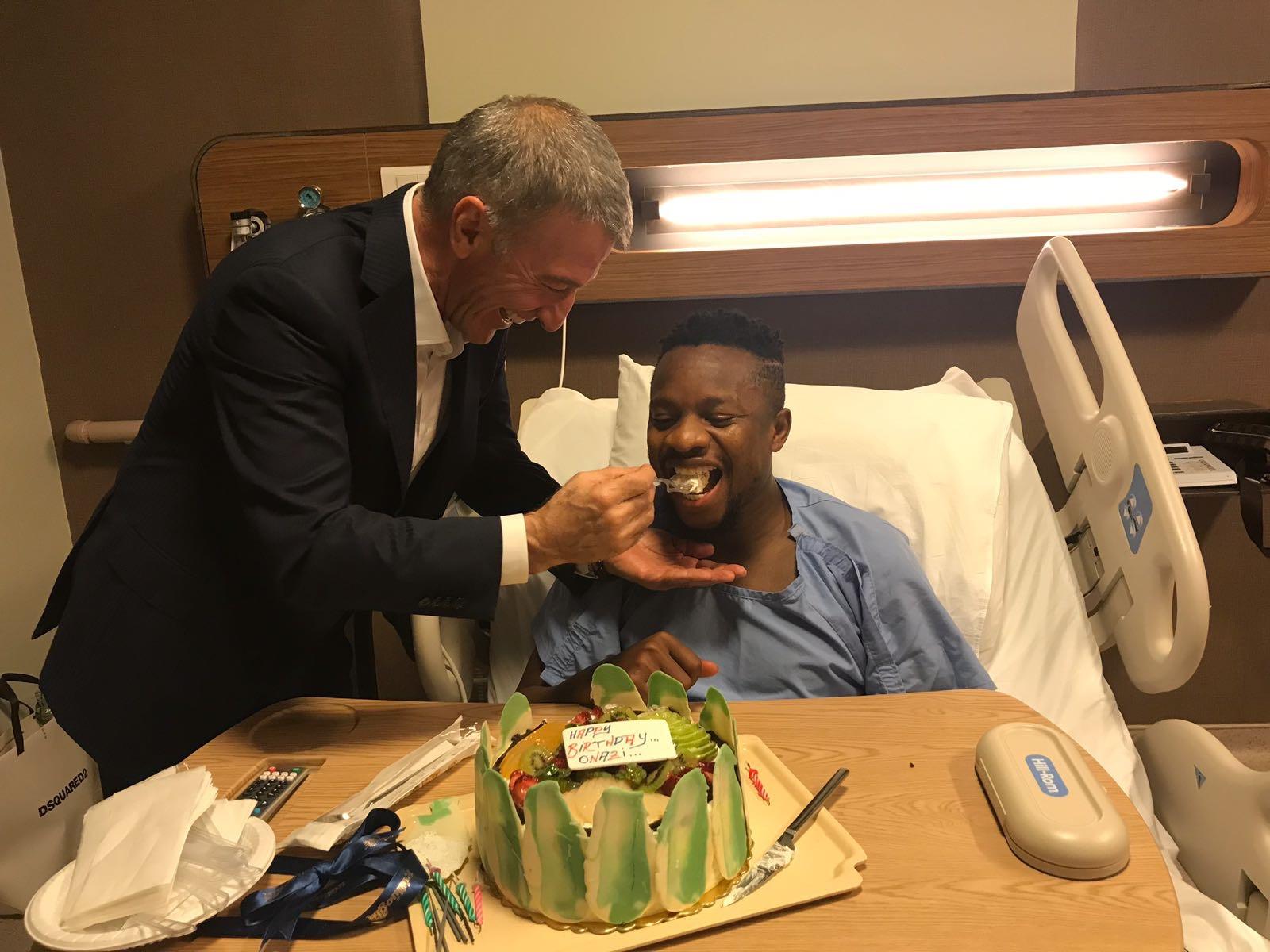 Trabzonspor's President celebrates Onazi at 26 on hospital bed