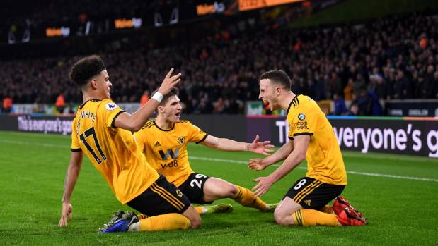 Chelsea beaten at Wolves, Man United and Arsenal draw