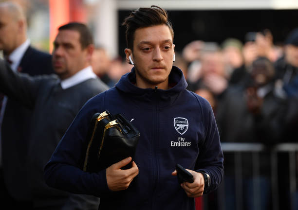 Arsenal to consider selling Mesut Ozil in January