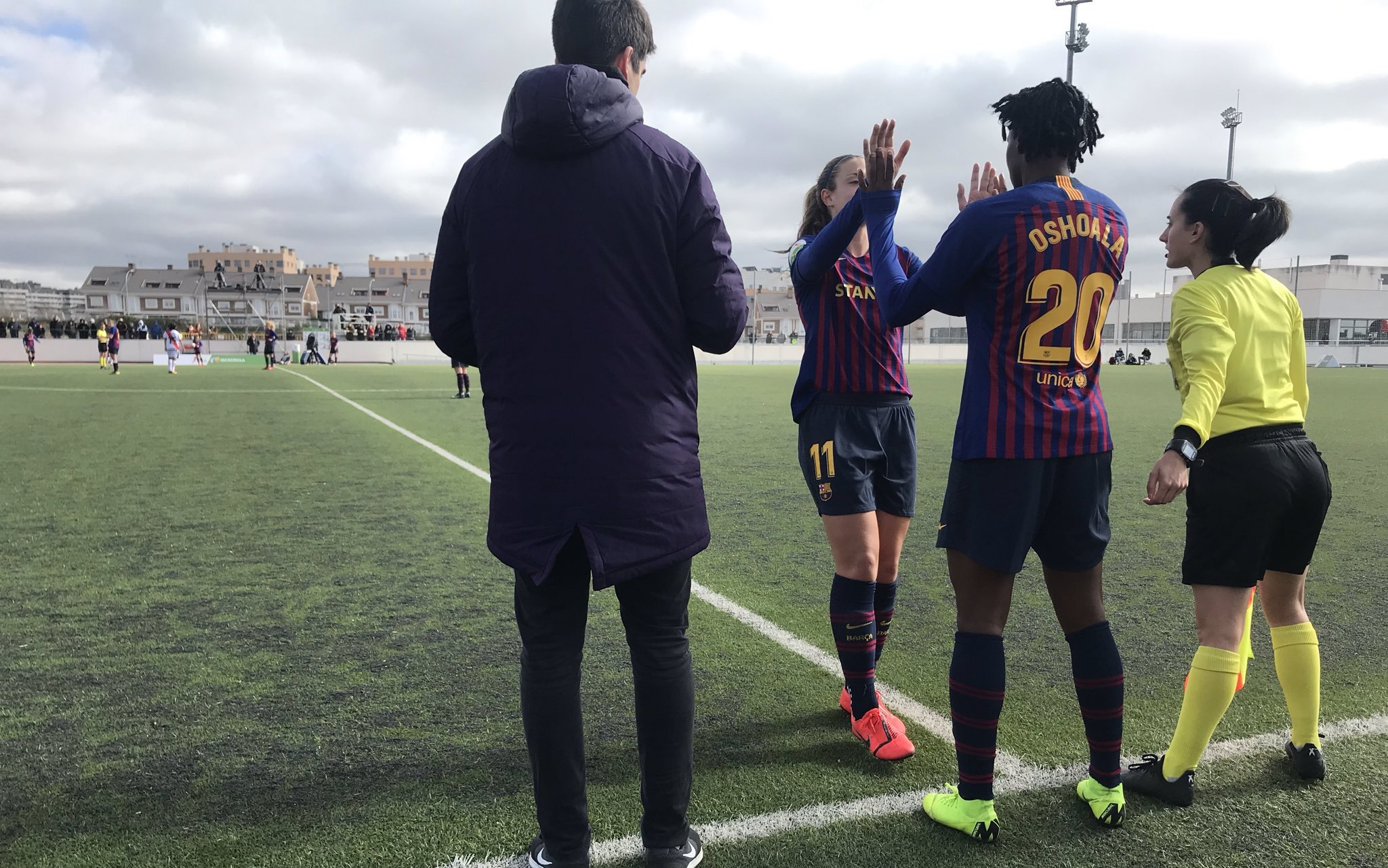Oshoala scores 'epic' goal on Barcelona debut