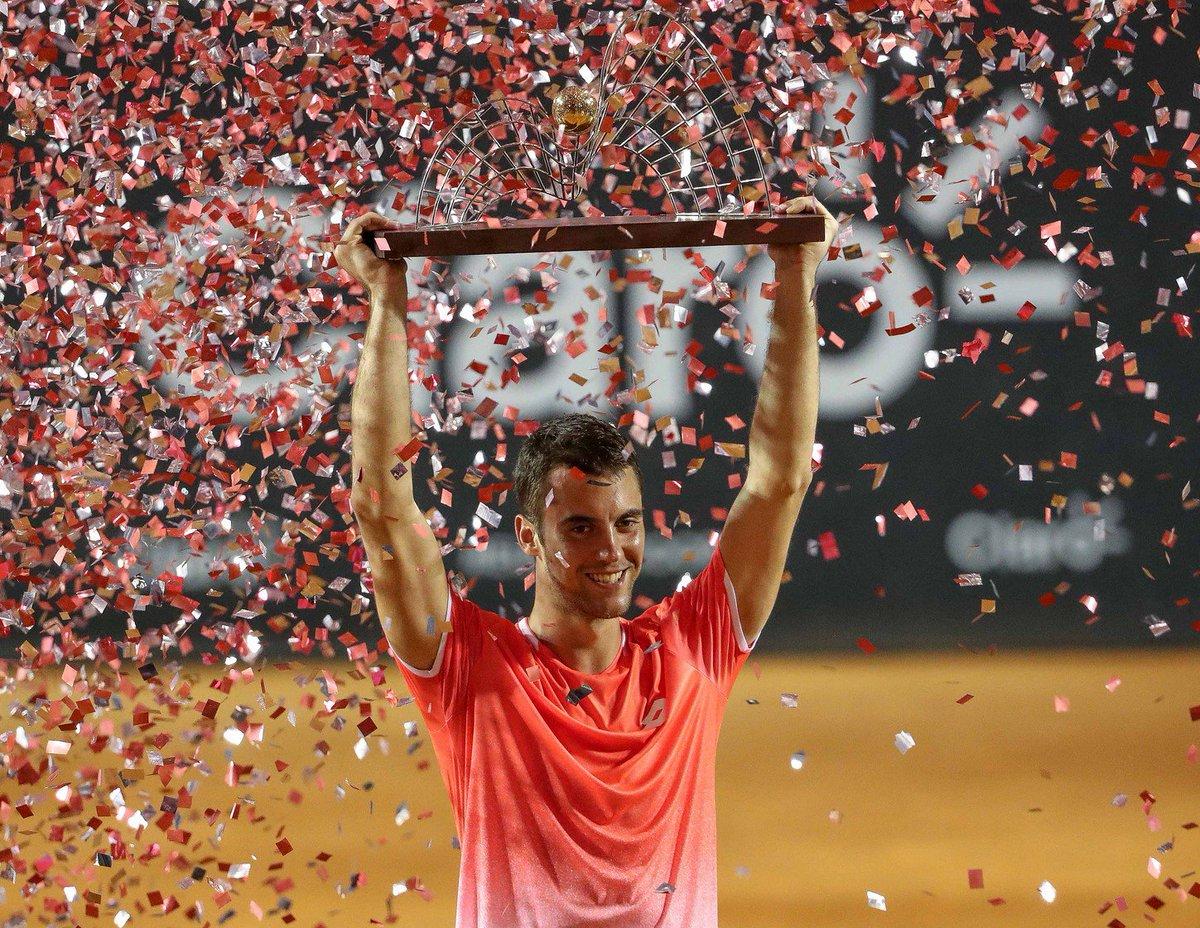 Laslo Djere celebrates emotional win in Rio