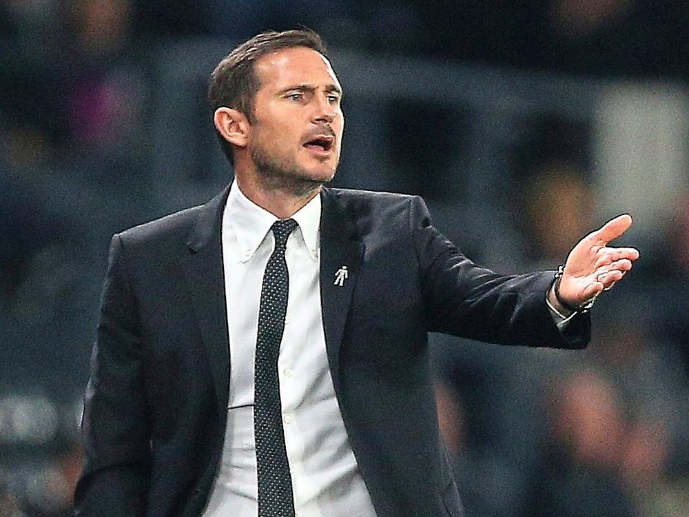 Frank Lampard says he is not thinking about replacing Sarri at Chelsea