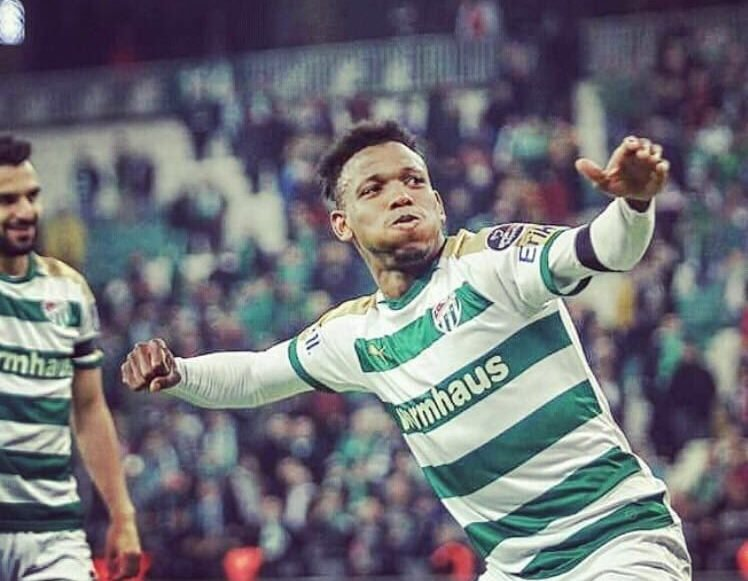 Shehu Abdullahi scores first ever Bursaspor goal with a 'buzzing' header