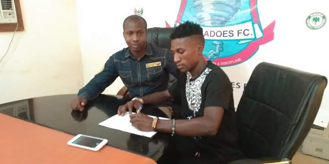 Mubarak Said signs for Niger Tornadoes