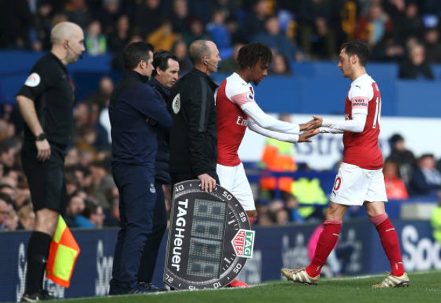Iwobi Outperforms £350k per-week Ozil in 1-0 defeat to Everton