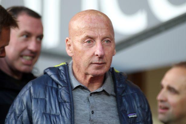 Man United legend Mickey Thomas is cancer free