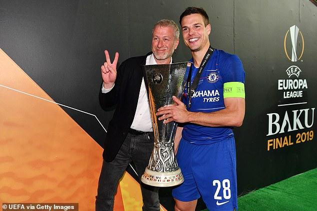 Chelsea's billionaire owner Abramovich leads Europa League title celebration